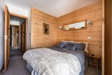 no-8-downstairs-double-bedroom-and-hall-copy-1526410